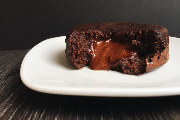 Lava cake - fit cake with chocolate filling
